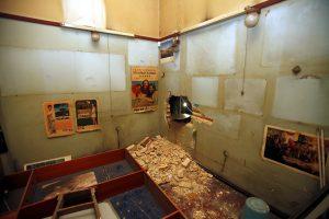 Θεσσαλονίκη: Διέλυσαν κοσμηματοπωλείο και έφυγαν με χρυσαφικά αξίας 30.000€!