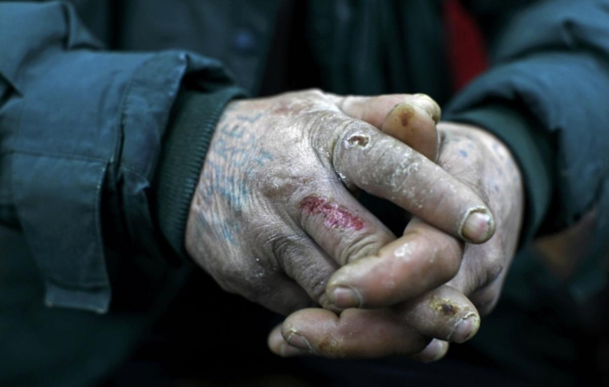 """""""Να φάω ή να πληρώσω τα φάρμακά μου;"""" – Πάνω από 115 εκατομμύρια φτωχοί στην ΕΕ"""