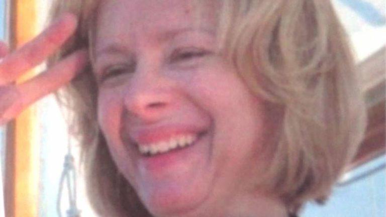 Αυτή είναι η γυναίκα που όπλισε το χέρι του μακελάρη του Κονέκτικατ – Η μητέρα του Ανταμ Λάνζα τον ώθησε στο αιματοκύλισμα μιας ολόκληρης τάξης