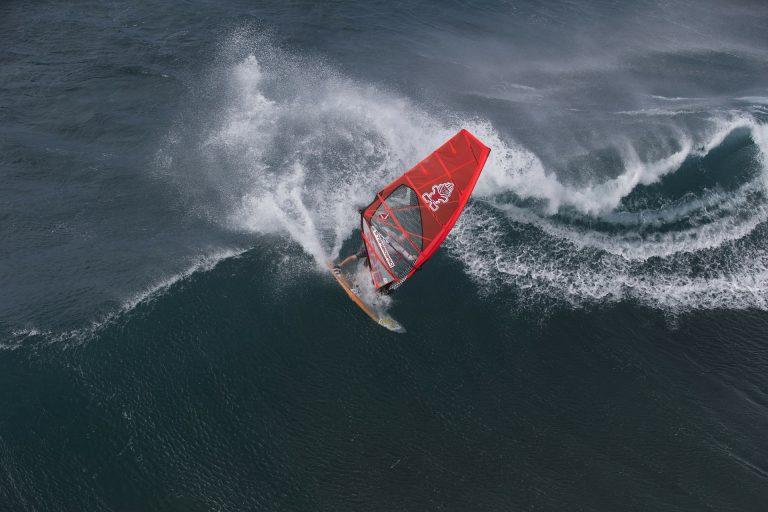 Δαμάζοντας τα κύματα