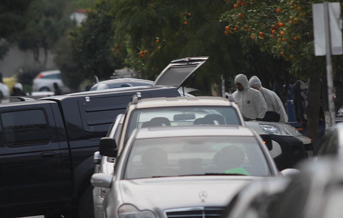 Τρομοκράτες με ελαττωματικά όπλα! – Γιατί ο Μαζιώτης δεν εμφανίστηκε να παραλάβει τα όπλα από την κινητή γιάφκα στο Π. Φάληρο