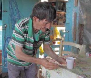 """Κρήτη: Πέθανε ο """"ναυαγός"""" που έζησε μόνος για 40 ολόκληρα χρόνια – Ταινία η ζωή του [vid]"""