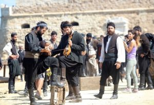 Χανιά: Συνεχίζονται τα γυρίσματα της ταινίας του Γιάννη Σμαραγδή για τη ζωή του Καζαντζάκη [pic]