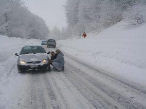 Χαλκιδική: Χιόνια, παγετός και… αλυσίδες