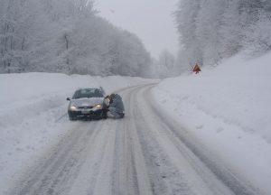 Καιρός: Πού χρειάζονται αλυσίδες στην Πελοπόννησο – Δύσκολη η κυκλοφορία των οχημάτων