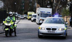 Μακελειό στην Αγγλία! Έσφαξε 30χρονη και μαχαιρώθηκε – Νεκρός και ο δράστης