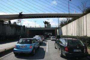Τέλη κυκλοφορίας αυτοκινήτων: Βούλιαξαν τις πωλήσεις τα πειράματα