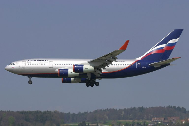 Η Aeroflot αυξάνει τους μισθούς των πιλότων στα 10.000 δολάρια μηνιαίως