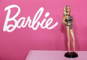 Επιτέλους! Μια Barbie με πιασίματα…