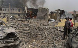 Αιματοκύλισμα αμάχων! Βομβάρδισαν στρατόπεδο προσφύγων – Πάνω από 100 νεκροί – Τους πέρασαν για εξτρεμιστές της Μπόκο Χαράμ