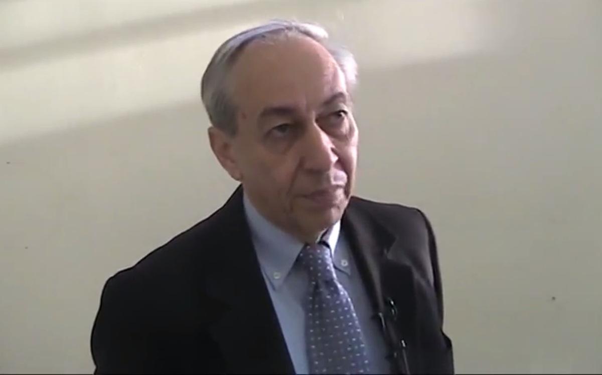 Ο Δημήτρης Μπούρλος σε παλαιότερη συνέντευξή του / Φωτογραφία από YouTube