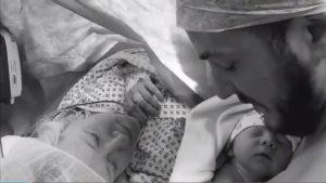 Η συγκλονιστική ιστορία του Charlie! Έχουν 1 μήνα να σώσουν το άρρωστο μωράκι τους [vids]