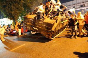 Τουρκία: Φτιάχνουν δικαστήρια για τους χιλιάδες πραξικοπηματίες