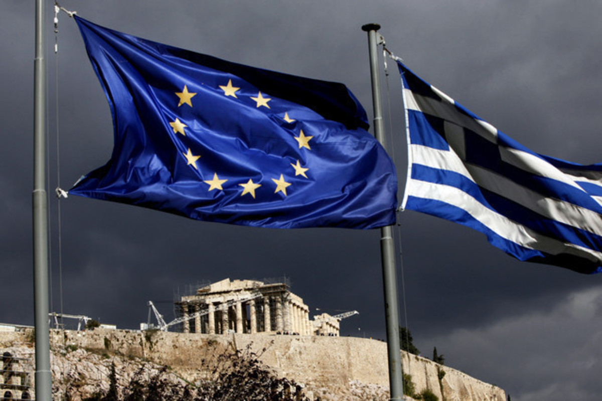 """Ευτυχισμένο"""" 2016 με νέα μέτρα 6 δισ. ευρώ"""