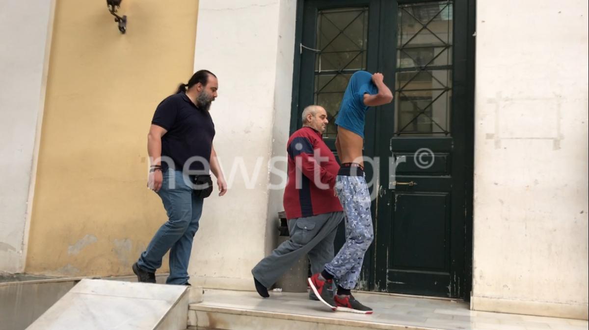 Ο βιαστής της Δάφνης ακόμα δεν έχει αποδείξει ότι είναι τυφλός – Τι δήλωσαν οι δικηγόροι της φοιτήτριας