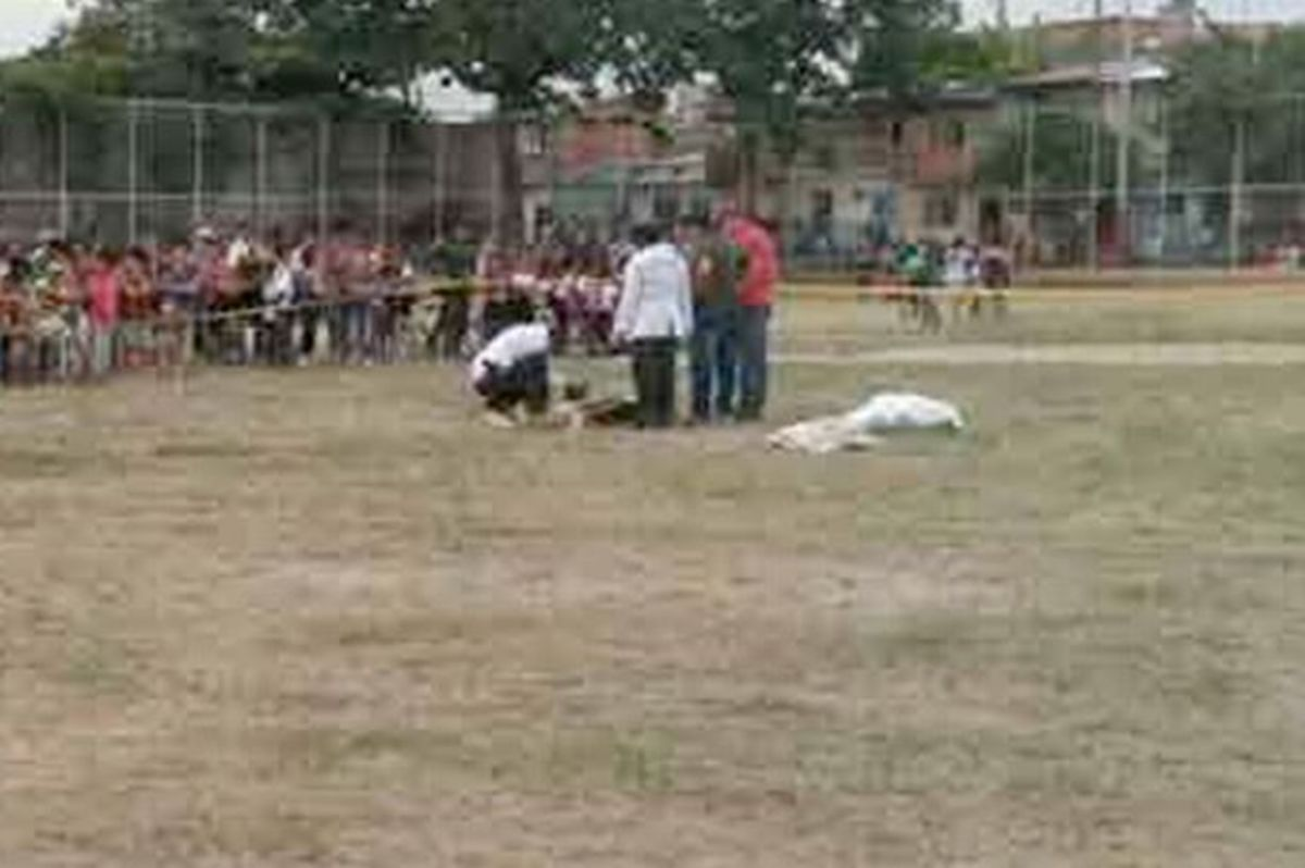 Σοκαριστικό! Ποδοσφαιριστής σκότωσε διαιτητή για κόκκινη κάρτα