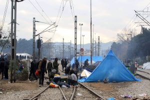 Επιχείρηση της Αστυνομίας στην Ειδομένη – Άνοιξε η γραμμή του τρένου