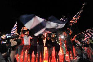"""Οι Ευρωπαίοι αριστεροί γιορτάζουν το ελληνικό """"ΟΧΙ"""""""