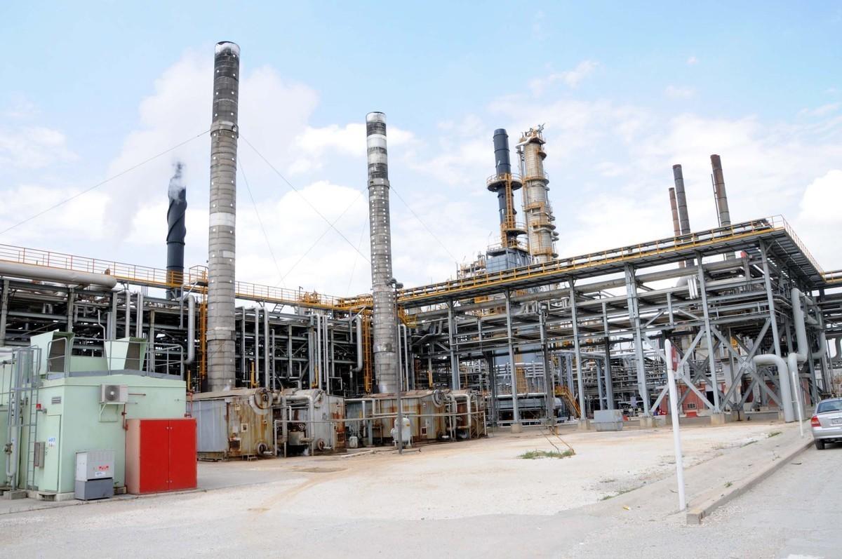 ΕΛΠΕ: Επαρκή τα αποθέματα καυσίμων