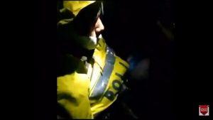 Δραματικό βίντεο! Επιζών ψάχνει συναδέλφους του στα συντρίμμια στην Κολομβία [vid]