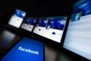 """Δεδομένο θεωρούν οι Έλληνες το """"φακέλωμα"""" των προσωπικών τους δεδομένων στα social media"""