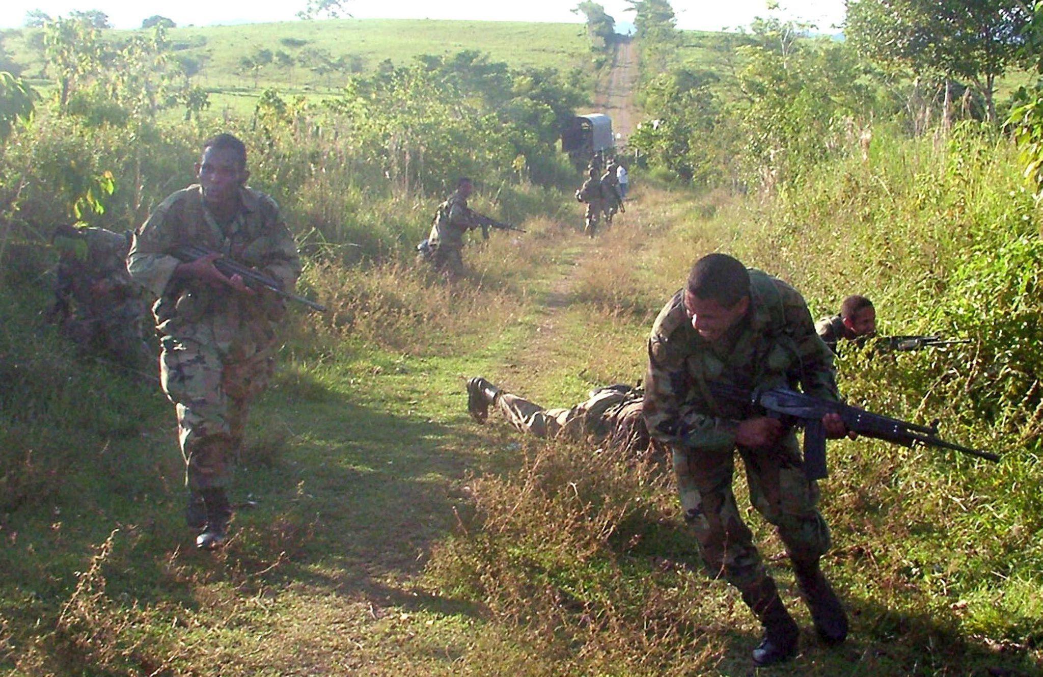 Κολομβία: Έρευνα για τη στρατολόγηση 18.667 ανηλίκων από αντάρτες της FARC