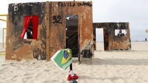 """Ρίο 2016: Αστυνομικοί διέλυσαν ψεύτικη φαβέλα! """"Ανησυχούν για τη δημόσια εικόνα της πόλης"""""""