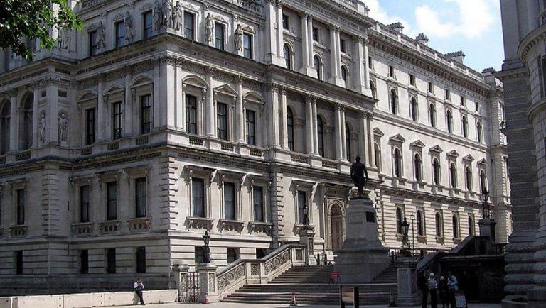 Ταξιδιωτική οδηγία του Βρετανικού ΥΠΕΞ για το Ιράν: Κινδυνεύετε με σύλληψη!