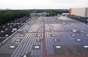 Φωτοβολταϊκά στη στέγη μεγάλης αυτοκινητοβιομηχανίας! (video)
