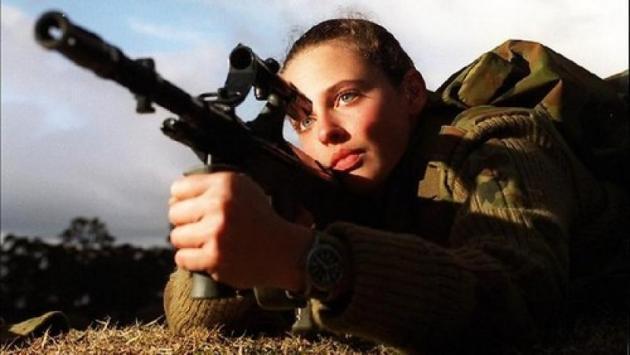 Παγκόσμια ημέρα της γυναίκας 2017: O ρόλος της γυναίκας στο στρατό [pics, vid]
