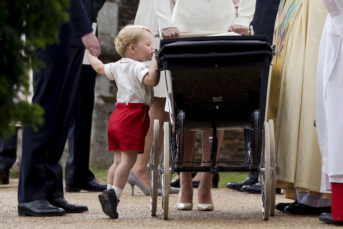 Ο σγουρομάλλης πρίγκιπας George κλέβει την παράσταση! (ΦΩΤΟ)