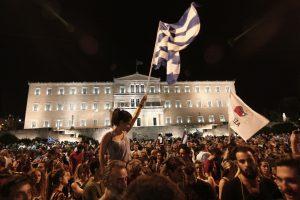 "FT: Οι Έλληνες είπαν ""ΟΧΙ"" στις απειλές και την αλαζονεία"