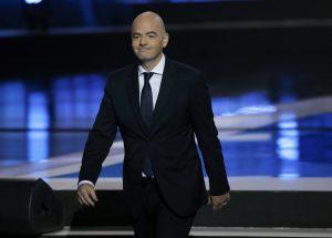 """Φτιάχνει """"μεγαλύτερο"""" Μουντιάλ και Παγκόσμιο Κύπελλο Συλλόγων ο Ινφαντίνο"""