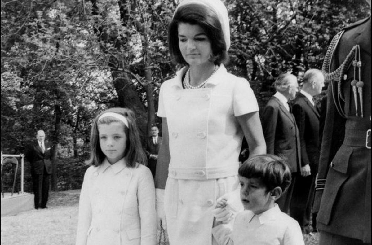 Στο σφυρί οι επιστολές απόρριψης της Τζάκι Κένεντι σε θαυμαστή της