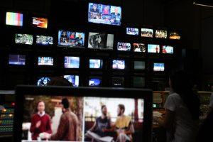 Τα… πουλέν των τηλεοπτικών σταθμών!