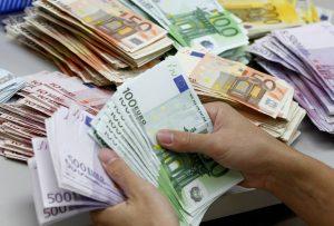 Ο ΕΝΦΙΑ, οι φόροι εισοδήματος και ο ΦΠΑ γέμισαν το δημόσιο ταμείο