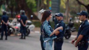 Χαμός στα social media για τη διαφήμιση της Pepsi με την Κένταλ Τζένερ [vid]