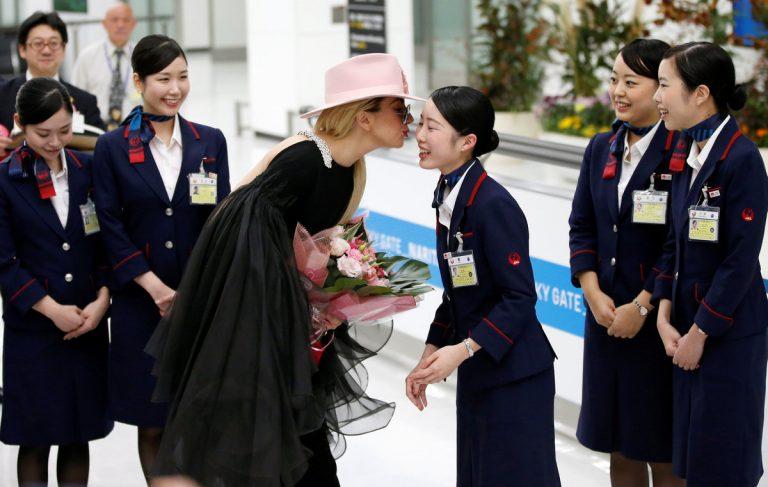 Πανζουρλισμός στην Ιαπωνία με τη Lady Gaga [pics]