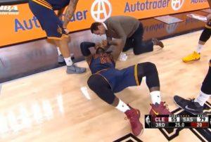 """NBA: Οι Σπερς """"γκρέμισαν"""" Λεμπρόν και Καβαλίερς [vids]"""