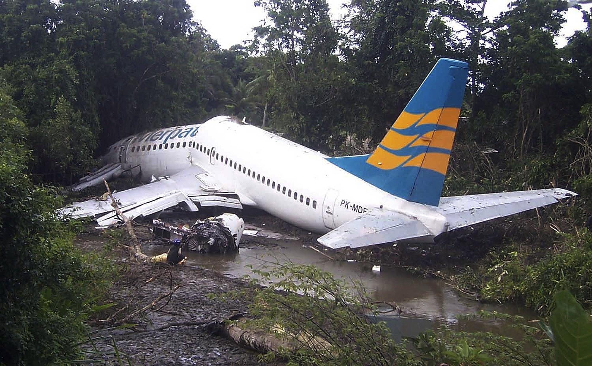 Разбился самолет картинка