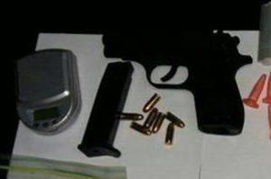 Βρήκαν… θησαυρό! Όπλα και κοκαΐνη στο αυτοκίνητο ποδοσφαιριστών