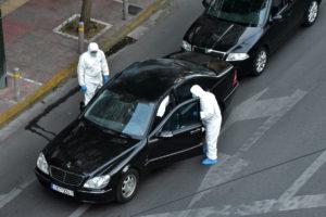 """Τρομοκρατική επίθεση κατά του Λουκά Παπαδήμου στην """"καρδιά"""" της Αθήνας! Η βόμβα πέρασε από μηχάνημα και δεν εντοπίστηκε"""