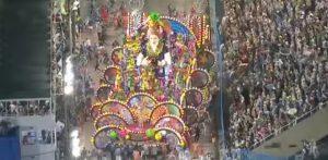 Τρόμος στο καρναβάλι του Ρίο: Το άρμα καρφώθηκε πάνω τους! 20 τραυματίες [vid]