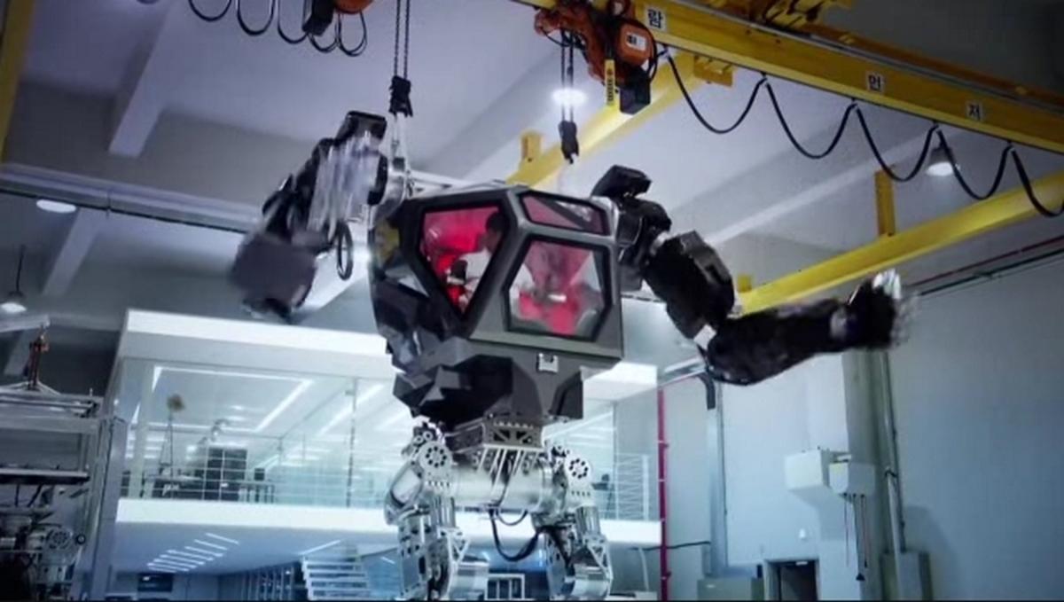 Αυτό είναι το πρώτο επανδρωμένο ρομπότ στον κόσμο! [vid]