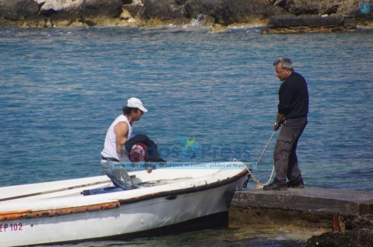 Το παιδί το ρούφαγε η θάλασσα σαν μολύβι – Ελληνίδα έγδυσε το παιδί της για να ντύσουμε το μωρό που έσωσα – Μετανάστες μας φιλούσαν τα πόδια