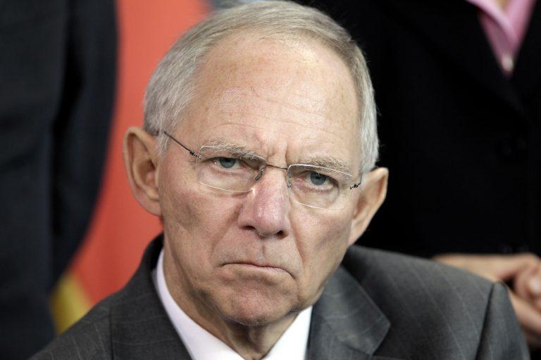 Σόιμπλε: μη ρίχνει σε μας την ευθύνη η Ελλάδα