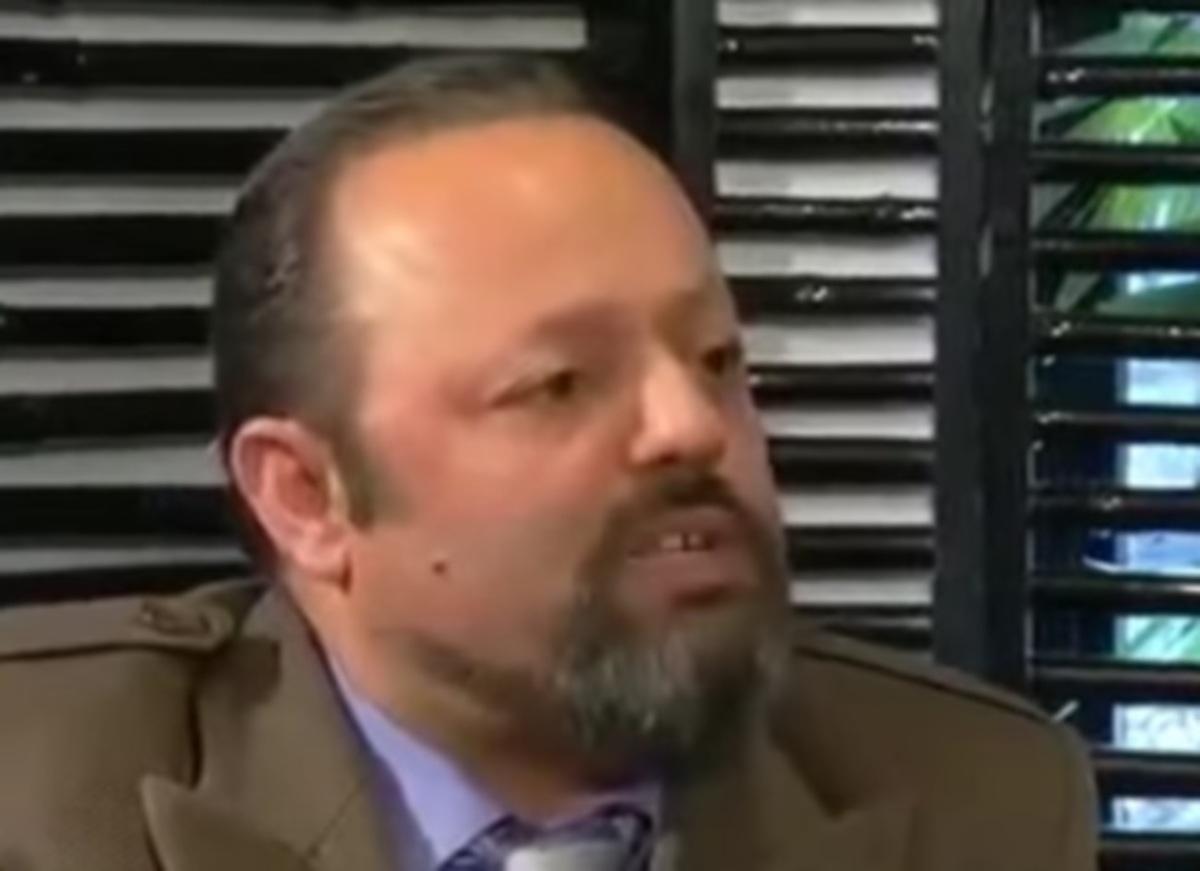 """Αρτέμης Σώρρας: """"Χαστούκια και κλωτσιές θα σου δώσω"""" – Χαμός με τον Σρόιτερ σε συνέντευξη [vid]"""