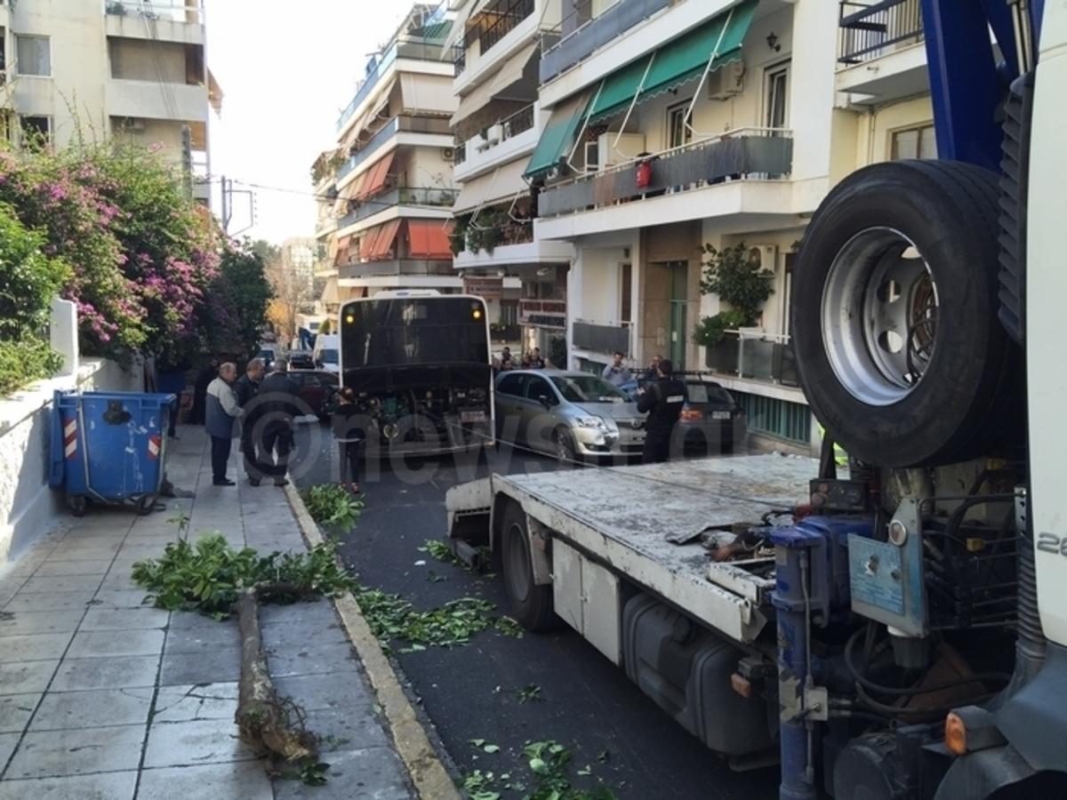 Καταγγελίες για λεωφορεία – καρμανιόλες – Ο οδηγός μιλάει στο newsit.gr