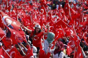 Τουρκία – πραξικόπημα: Επίδειξη ισχύος από Ερντογάν – Αναφορές για 3 εκατομμύρια οπαδούς στην Κωνσταντινούπολη