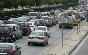 Αλλαγές στα τέλη κυκλοφορίας – Πως και πότε θα εφαρμοστεί το σχέδιο για πληρωμή με το χιλιόμετρο